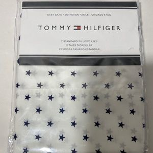 Tommy Hilfiger standard pillow case set
